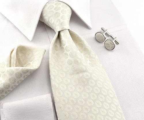Mens Cream with Silver Dot Silk Tie Cufflink & Hanky Set (DA091)